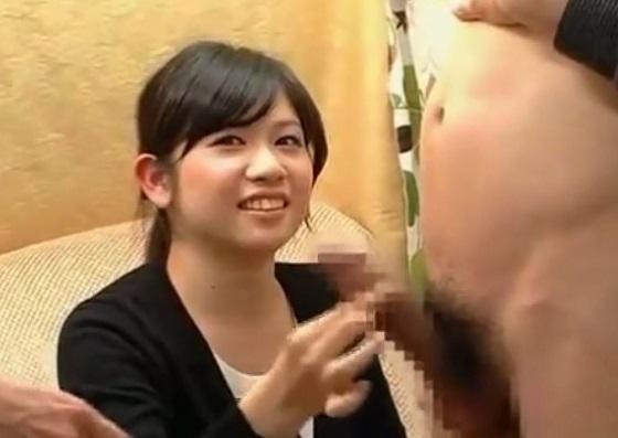 素人娘が赤面手コキ!20才のウブお嬢がチンチン2本出されて大騒ぎしながらの手コキザーメン発射!